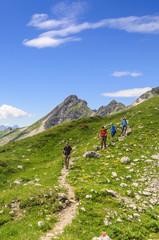 Wandergruppe beim Abstieg