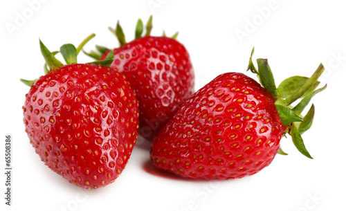 Obraz na płótnie Czerwone truskawki, samodzielnie na biały