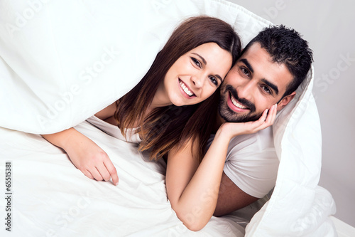 Poster Couple in bed
