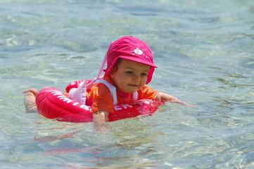bébé a la mer
