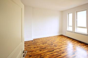 Helles modernes Zimmer in Altbauwohnung