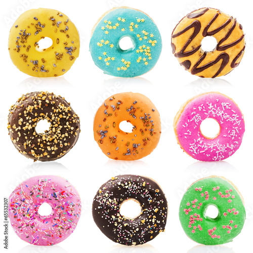 Tuinposter Koekjes Donuts isolated on white background