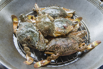 Prepare blue crab for steaming1
