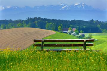Allgäuer Voralpenlandschaft im Frühling