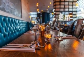 table set restaurant