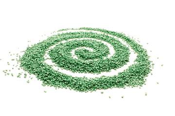 Spirale con granuli di plastica verde