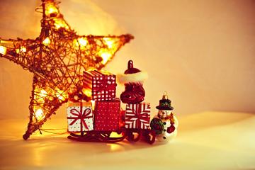 Leuchtend goldener Weihnachtsstern