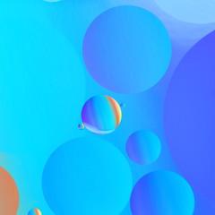 Wasserspiel in Öl blau