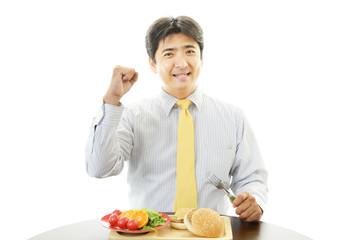 食事中のビジネスマン
