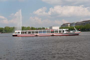 Alsterschiff in Hamburg