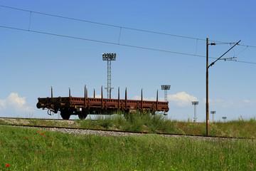 Güterwagon_allein am Gleis