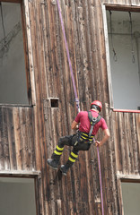 brave fireman you haul in the wall of the House abseiling during