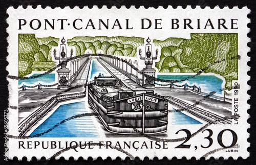 Leinwanddruck Bild Postage stamp France 1990 Briare Aqueduct