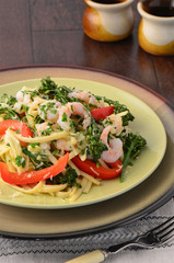Linguine with shrimp, broccolini and red peppers