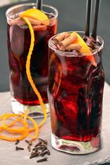 Coctel cola spritz,coctel de frutas,refresco gaseosa.