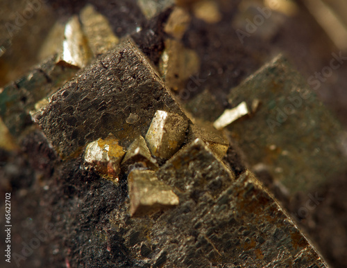 Canvas Edelsteen Crystal,nugget, gold, bronze, copper, iron. Macro