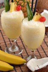 Daiquiri de banana,coctel de banana,bebida alcohólica.