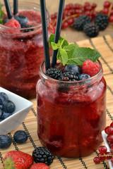 Coctel de frutas de bosque,daiquiri de frutas.