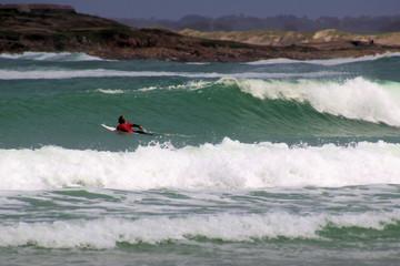 surfer im atlantik