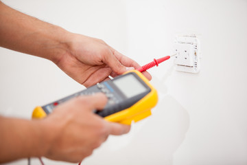 Measuring power from an outlet