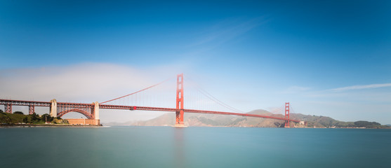 Golden Gate Bridge im Nebel - San Francisco