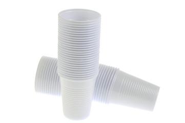 Les gobelets en plastique