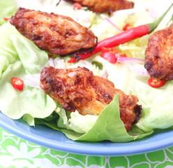 Frischer Salat mit Huhn