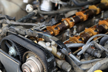 Car engine head, twin cam, 24 valves
