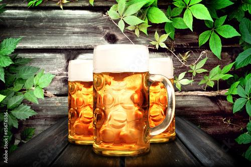 canvas print picture Bier krug auf dem Tisch