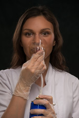 Doctor holding can oxygen breathing