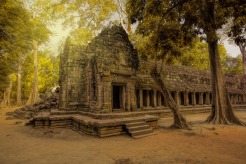 Sunrise over Ta Phrom