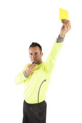 Schiedsrichter mit gelber Karte, freigestellt