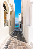 Fototapety Narrow lane leading to the sea in Mykonos.NEF