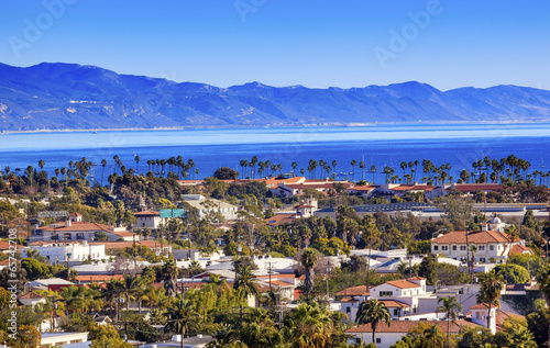 Fotobehang Los Angeles Buildings Coastline Pacific Ocean Santa Barbara California