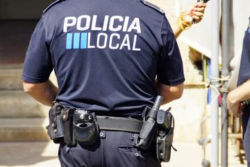 Polizist mit Uniform und Ausrüstung