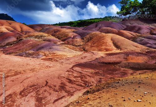 najbardziej znane miejsce turystyczne Mauritiusa - ziemia siedmiu kolorów