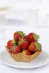 Erdbeeren in einer Waffel