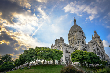 Sacré-Cœur Basilica at sunset