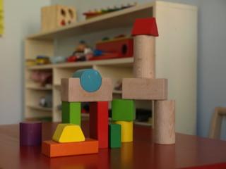 Spielecke mit Tisch, Bauklötze