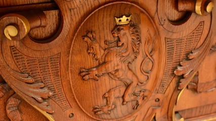 wooden decoration - interior - lion