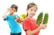 野菜を持つ二人の女の子