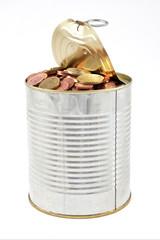lata con monedas