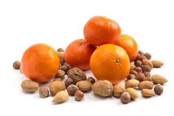 Clementinen und Nüsse