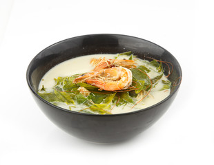 Coconut milk soup with shrimp and gnetum gnemon vegetable