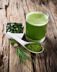 detox. young barley, chlorella superfood.