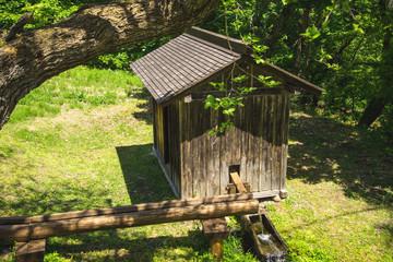 バッタリ小屋