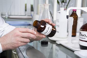 Laboratory  bottle with sodium oxalate