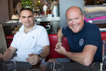 2 amis au restaurant