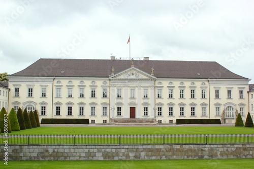 canvas print picture Präsidentensitz: Schloss Bellevue in Berlin / Deutschland