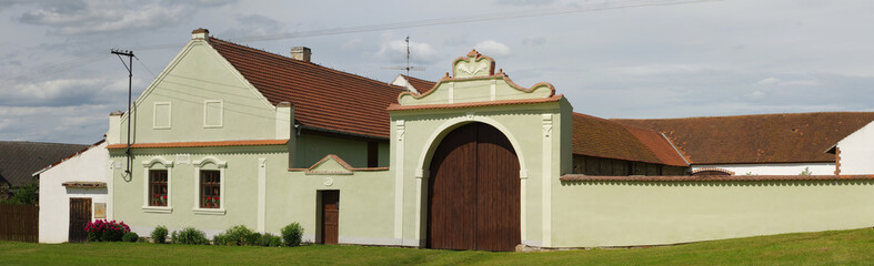 folk house baroque